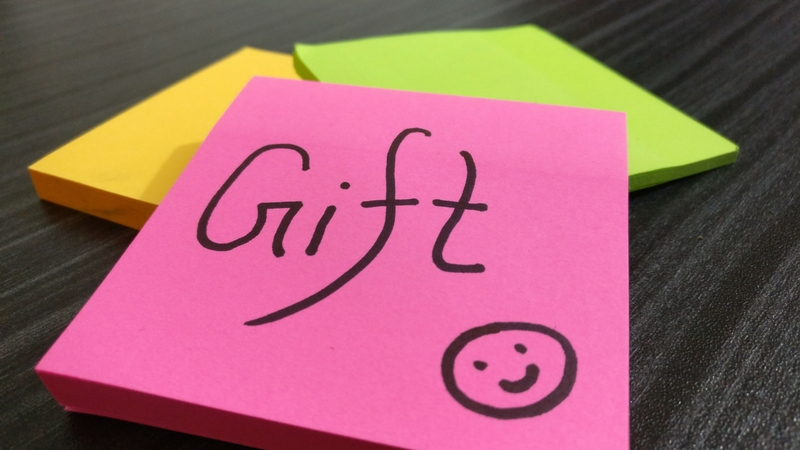 Idée Cadeau Pot De DéPart idee cadeau pot de depart achetez moi   Wifiscan : l'actualité du web