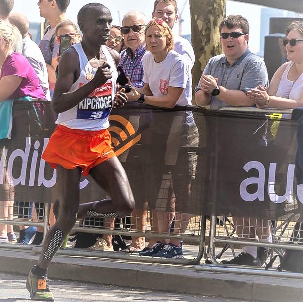 Le marathonien Eliud Kipchoge lors de la course à Londres 2018