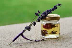 Aroma Zone : huiles essentielles contre la ménopause