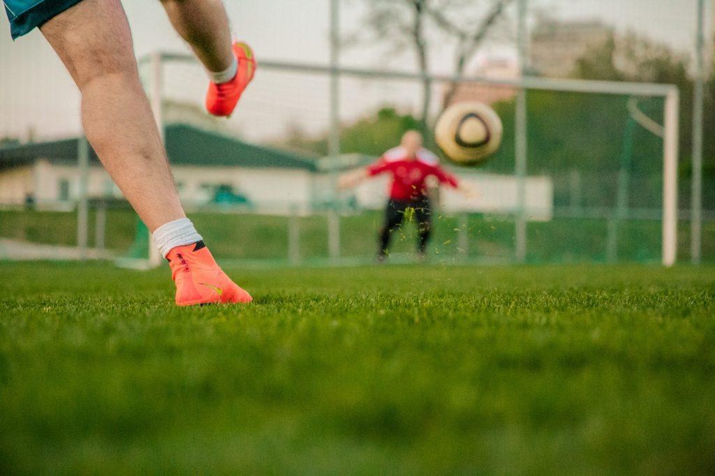Football, randonnée... le sport et le mental, par julien manival