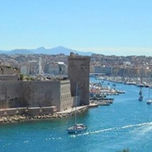 photo entrée vieux port de Marseille