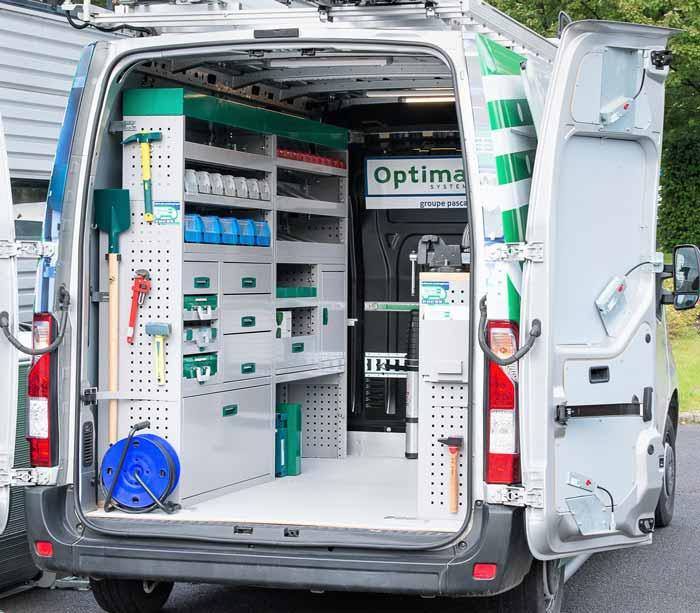 aménagement intérieur d'un camion utilitaire